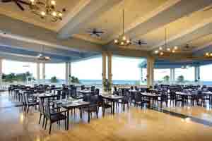 Bar Las Brisas - Grand Palladium Jamaica Resort & Spa - All Inclusive - Jamaica